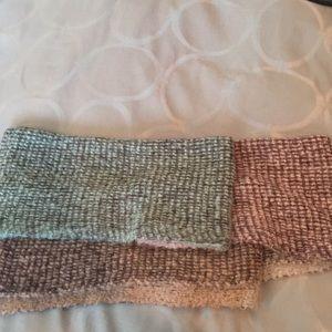 Multi-colored soft Billabong scarf